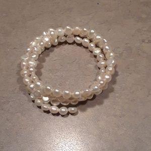 Pretty freshwater pearl twist bracelet .